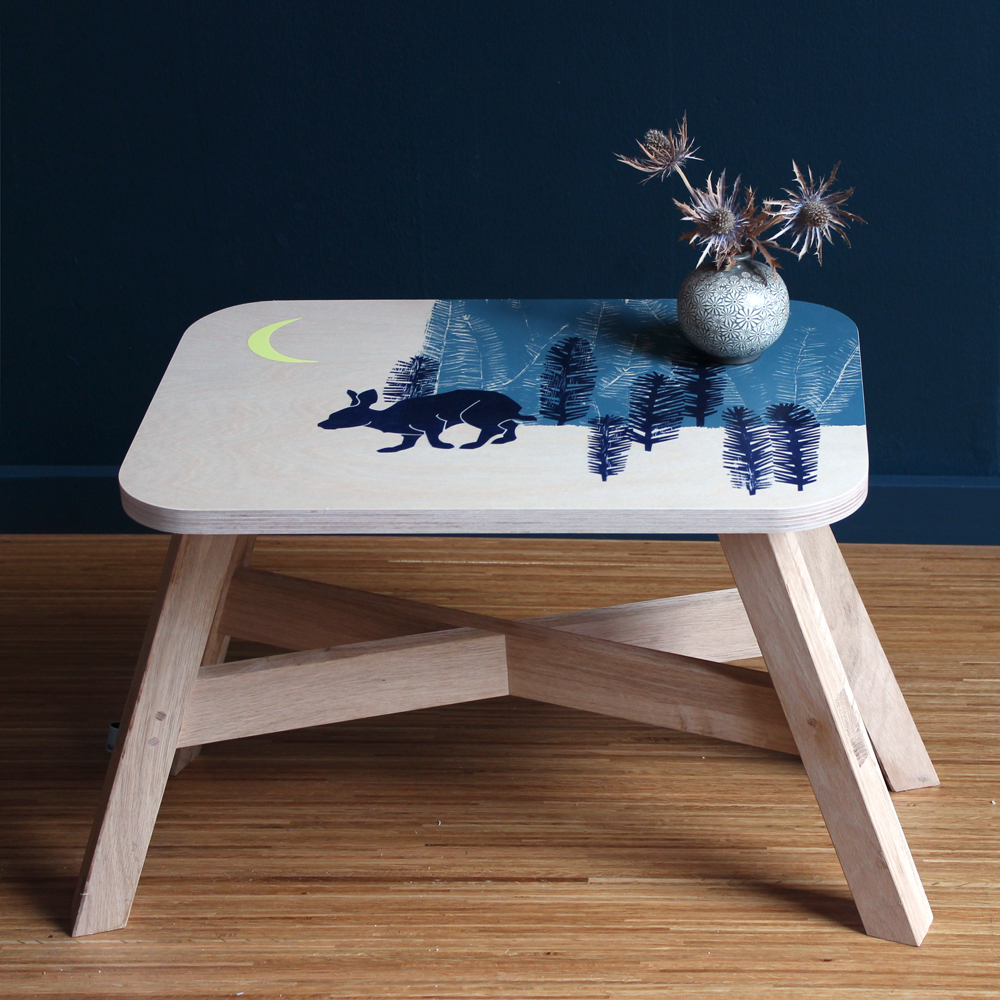 "Handprinted Sitetable / Small Stool ""winter"":"