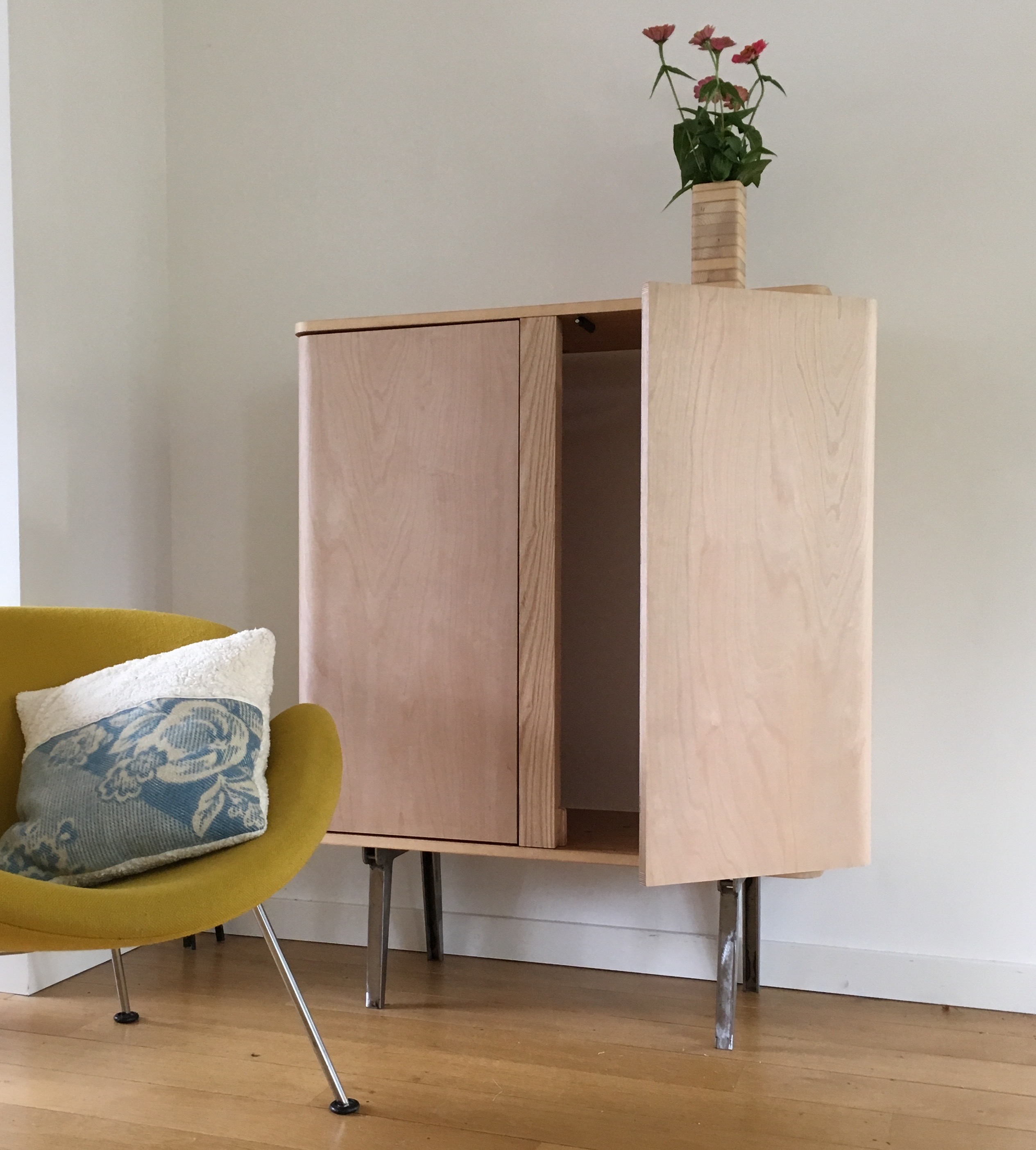 NEW: Cupboard Cabinet (photo's Show Prototype Version)